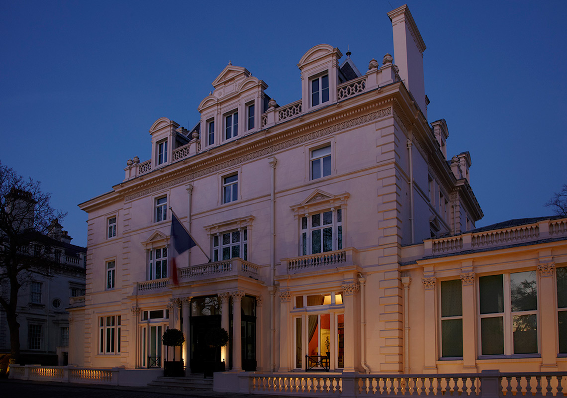 facade lighting to french ambassador residence