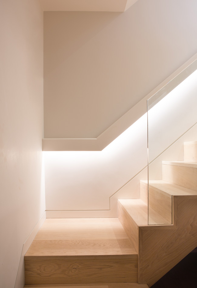 LED hidden light feature stairs