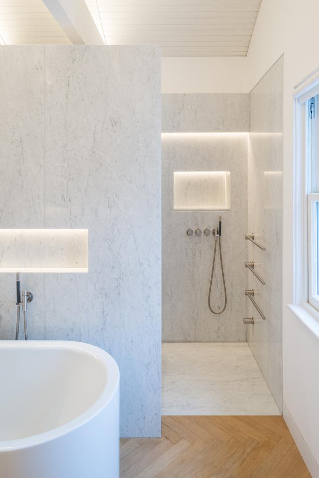 Bathroom lighting with LED